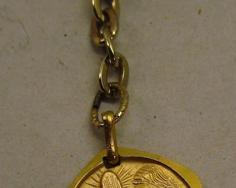 Beautiful Vintage Girls Gold Colored First Communion Fob Pin Medal - circa 1990s