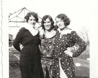 Old Photo 3 Women wearing Dresses 1920s Photograph Snapshot vintage