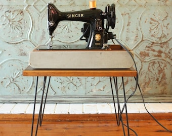 Vintage Singer Sewing Machine 99k with light and foot pedal c1957