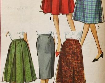 1960s Five Skirt Wardrobe/ Vintage Sewing Pattern/ Simplicity 5627