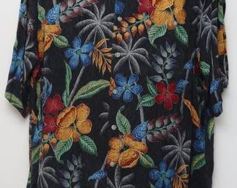 "90's Vintage ""CAMPIA MODA"" Short-Sleeve Hawaiian Patterned Shirt Sz: LARGE (Men's Exclusive)"