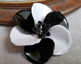 Black and White Enamel Flower Brooch Black Metal Flower Pin Black Enamel Brooch Black and White Broach Pin Flower Pinup Broach FB53