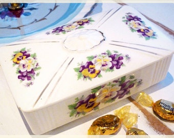 ST-LAWRENCE CERAMICS container with lid - Pansy flower pattern