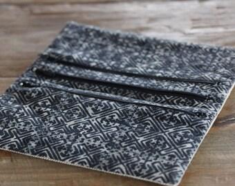 Jewelry pouch/wallet/clutch bag in hemp and Hmong indigo batik (JP0003)