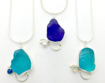 Sea Glass Necklace, Seaglass pendant, Sea glass jewelry, blue seaglass necklace