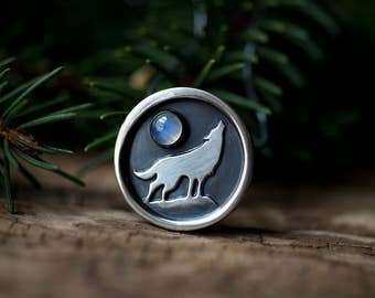 Howling Wolf Shadowbox - Moonstone - Oxidized Sterling Silver