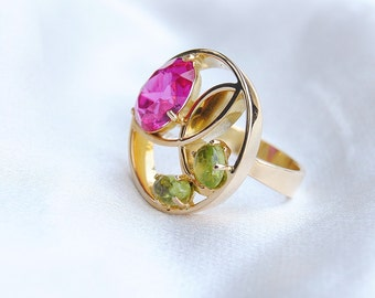Pink Ruby Green Chrysoprase Gold Unique Ring, Gold 18 carats, Multistone Round Ring, Large Handmade Ring, Size 6 Ring, Flower Jewelry