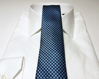 Slim Tie (2.75 inch) in Capri Light Blue Midnight Navy and White