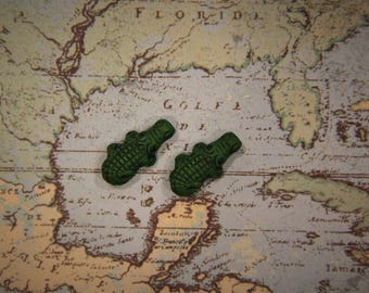 Mini Green Alligator Stud Earrings!