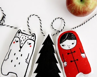 Monochrome Nursery Decor - Monochrome Garland - Minimalist Nursery - Gift for Kids - Red Riding Hood - Wolf