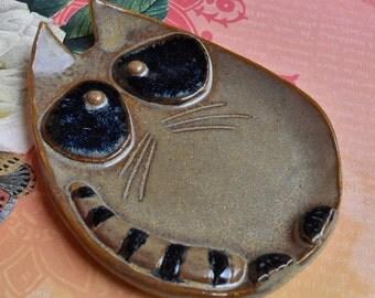 Spoon rest. Raccoon dish. Raccoon spoon rest. Ring holder. Jewelry holder. Ceramic Raccoon plate. Trinket dish.