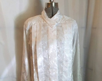 Vintage white secretary blouse white on white silk blouse Notations blouse Size 8 blouse