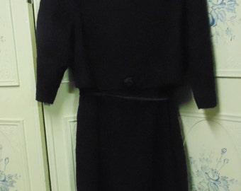 """1960 Mynette Black Wool Dress Bust 41"""""""