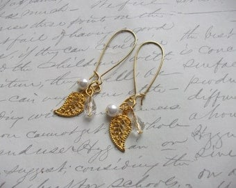 Gold leaf filigree earrings with pearl and crystal
