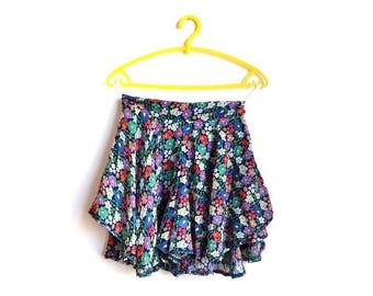 Mini High Waisted Floral Skirt and Shorts Skort Small S