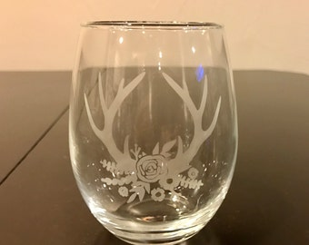 Flower Crown Antlers Etched Wine Glass