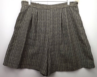 vintage women's clothing | women's shorts skorts | size L | 60s Adolfo Sport | pull on | elastic waist | pockets | plaid check | black white