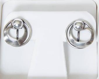 BB Sterling Silver Screw Back Earrings - Pretty Circular Shape