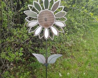 Small Sunflower1 Yard Stake