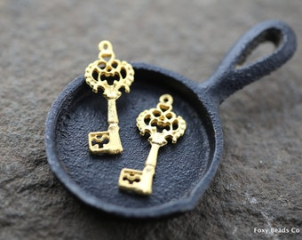 Key Charm, Skeleton Key, Gold Key Pendant, 24K Gold Plated Antique Key Pendant, Whole sale Findings, Turkish Supplies, Metal Charms MISC051