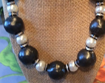 Chunky black and white pearl statement necklace
