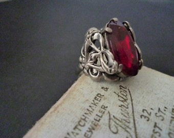 A stunning Nouveau style vintage ring -  silver - UK L - US 5.75