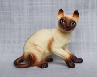 Vintage Chocolate Point Siamese Cat Figurine, Ceramic Cat Figurine, Siamese Cat Figurine, Siamese Blue Eyed Kitten Statue