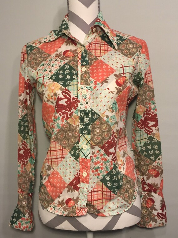 Vintage top // womens vintage blouse // retro shirt // boho top // hippie chic // vintage clothing // flower power