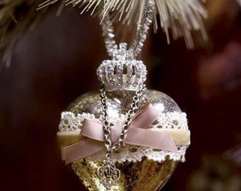 "Victorian Glass Heart Christmas Tree Valentine Ornament - 3"" x 4"""