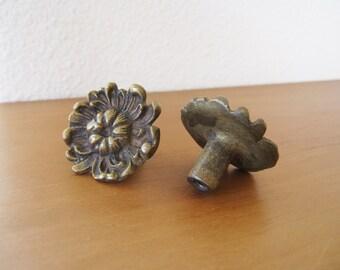 Vintage Pair Floral Flower Knobs Brass Art Nouveau Set of Two Pull Hardware Cabinet Drawer