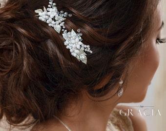 Wedding hair pins Flower hair pins Leaf hair pins Ivory White bridal hair flower Bridal bobby pins Floral hair pins Wedding hair clip
