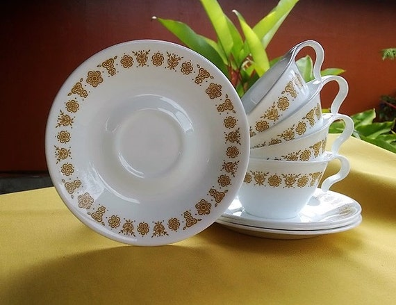 Vintage Corelle Golden Butterfly Pattern Hook Handle Cup and Saucer Set of Four (4), Retro Set Tea/Coffee Cups/Saucers White and Gold Design
