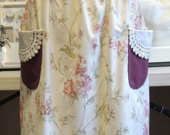 Vintage style mommy-and-me/grandma-and-me apron set