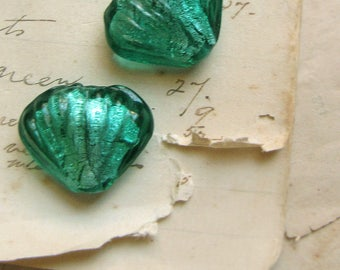 scallop shell beads - 20mm (2pcs) turquoise foil glass - vintage 1980s