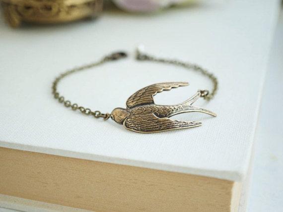 Large Bird Bracelet, Antiqued Brass Bird Bracelet. Sparrow Bird Bracelet. Minimalist Jewelry,  Bridesmaids Gift. Bird Lover Gift, Birthday