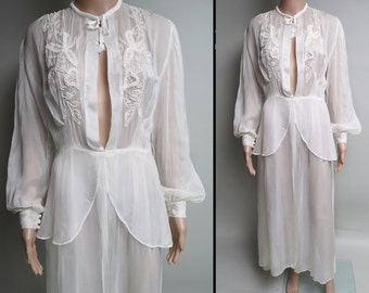 Vintage 1930s Gown//30s Dressing Gown Gown//Lace//Sensuous//1930s Nighgown//