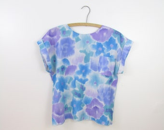 Lana Lee Watercolor Crop Top - Vintage 1980s Boxy Floral Blouse w/ Buttons Down the Back in Medium