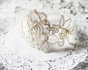 Bridal Garter Wedding Garter Lace Garter - Soft White Ivory Gold Garter Flower Garter Floral Garter Rustic Garter Belt Bohemian Garter Boho