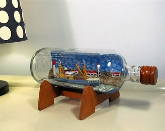Ship in a bottle, Vintage Ship, Collectible Sailing Boat, Nautical Decor, Set with Wooden Pedestal, Home Decor