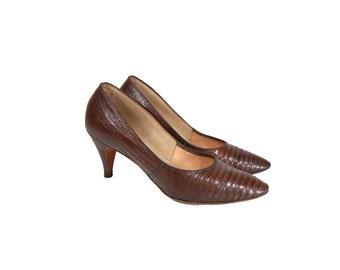Size 5 Brown Alligator Pumps // Brown Textured Leather Vintage Pumps // G516