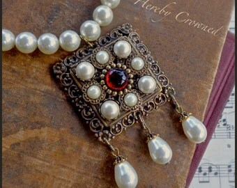 Rhamia SET ~ Swarovski® Crystal pearls ~ Medieval, Renaissance, Tudor-inspired ~ Necklace & Earrings (Leverback OR Clip On) OOAK demi parure