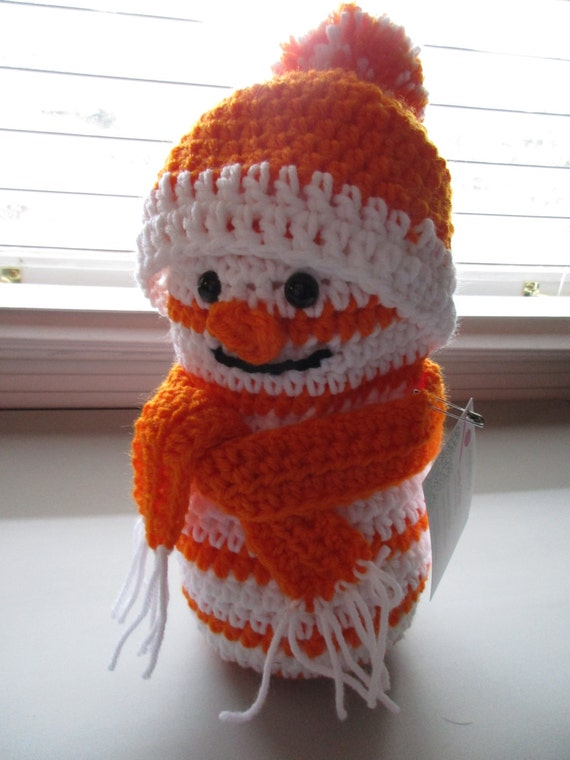 Crochet UT Snowman with Hat and Scarf