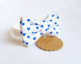 Child white bow tie with blue hearts polka dots, blue hearts bow tie, baby bow tie, gift ideas, cotton bow tie, wedding accessories