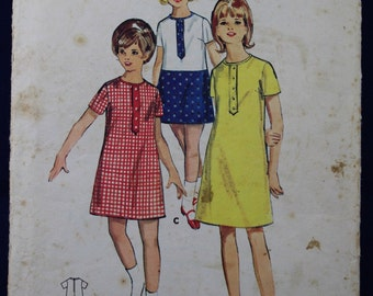 Sewing Pattern for a Girl's 1960's Dress in Age 8 - Butterick 4042