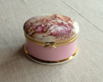Ayshford Fine Bone China Pill Box ''Fragonard'' from Staffordshire, England