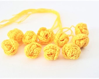 Set of 10 mini yellow crochet roses Small flower Crochet roses appliques Sew and decorate Crochet application 3 d crochet flower Small roses