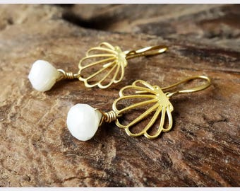 Shell Earrings with Moonstones
