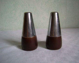 salt and pepper / wood and metal / french Vintage 1970
