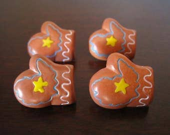 Mittens Buttons - Plastic Painted Buttons - Set of 4 - Winter