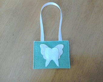 Felt tooth fairy pouch in green